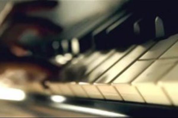 Vimeo创意视频《钢琴》